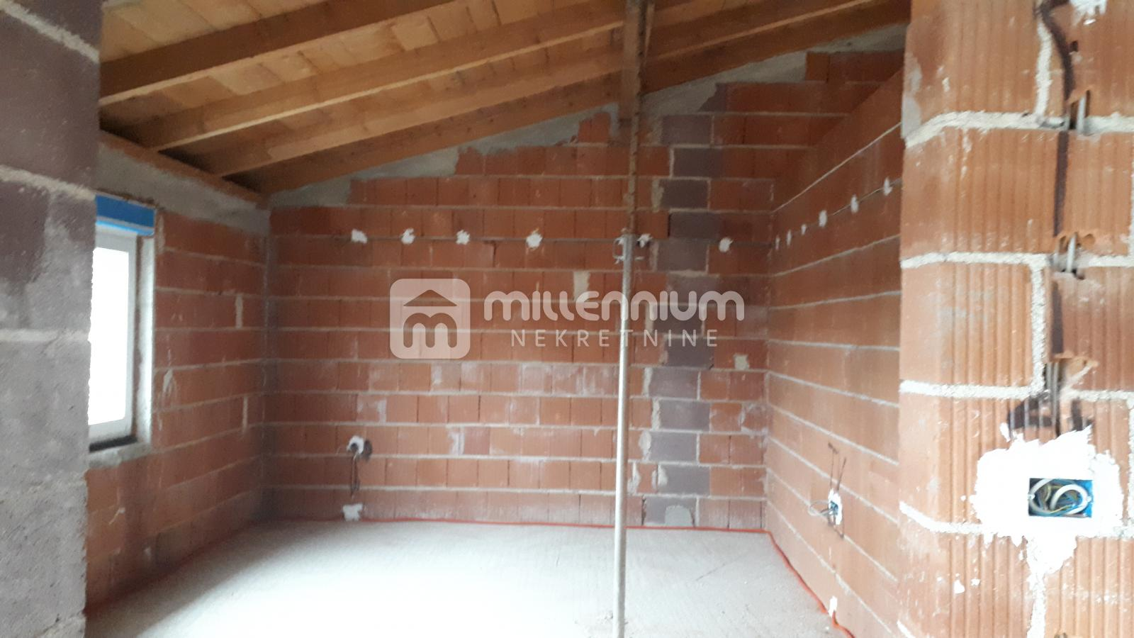 Viškovo, etaža, 92.83m2, 2-sobni s dnevnim i okućnicom