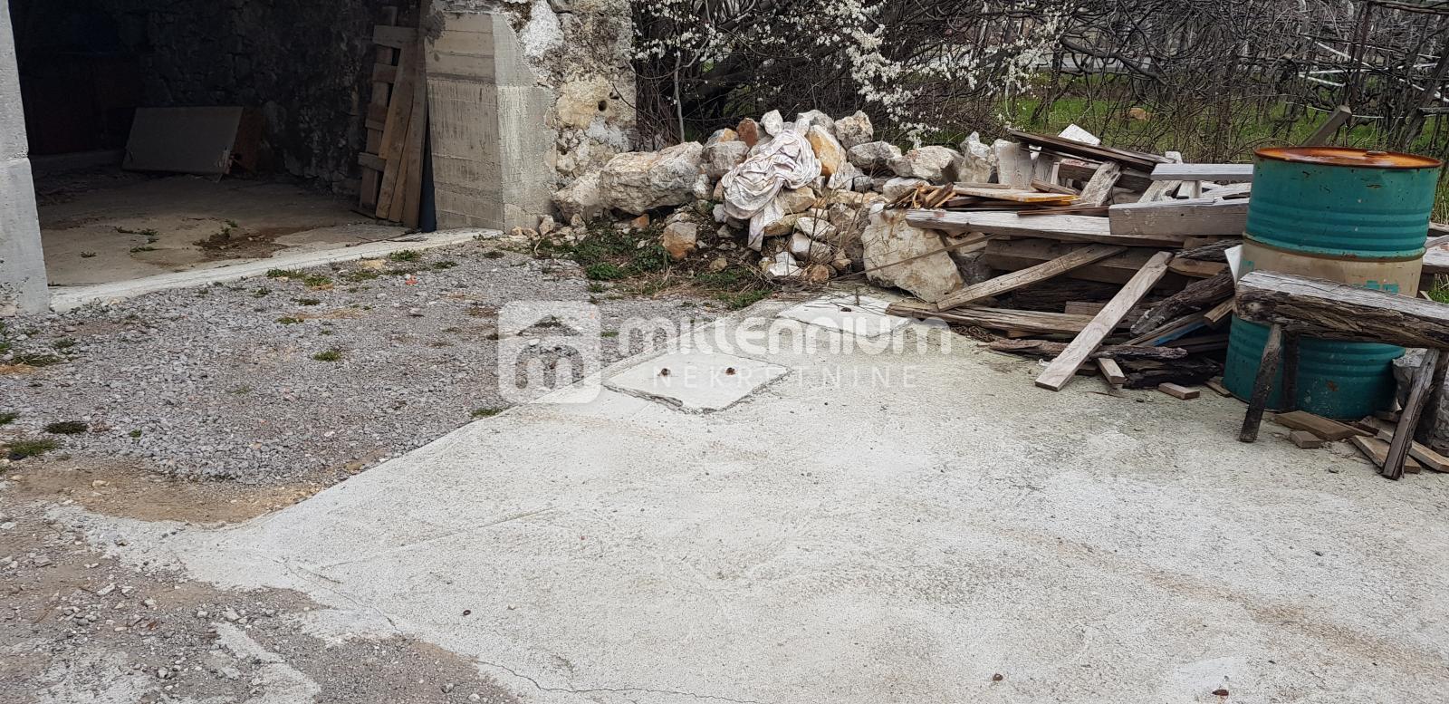 Saršoni, gospodarski objekt za 19.900€/hrk
