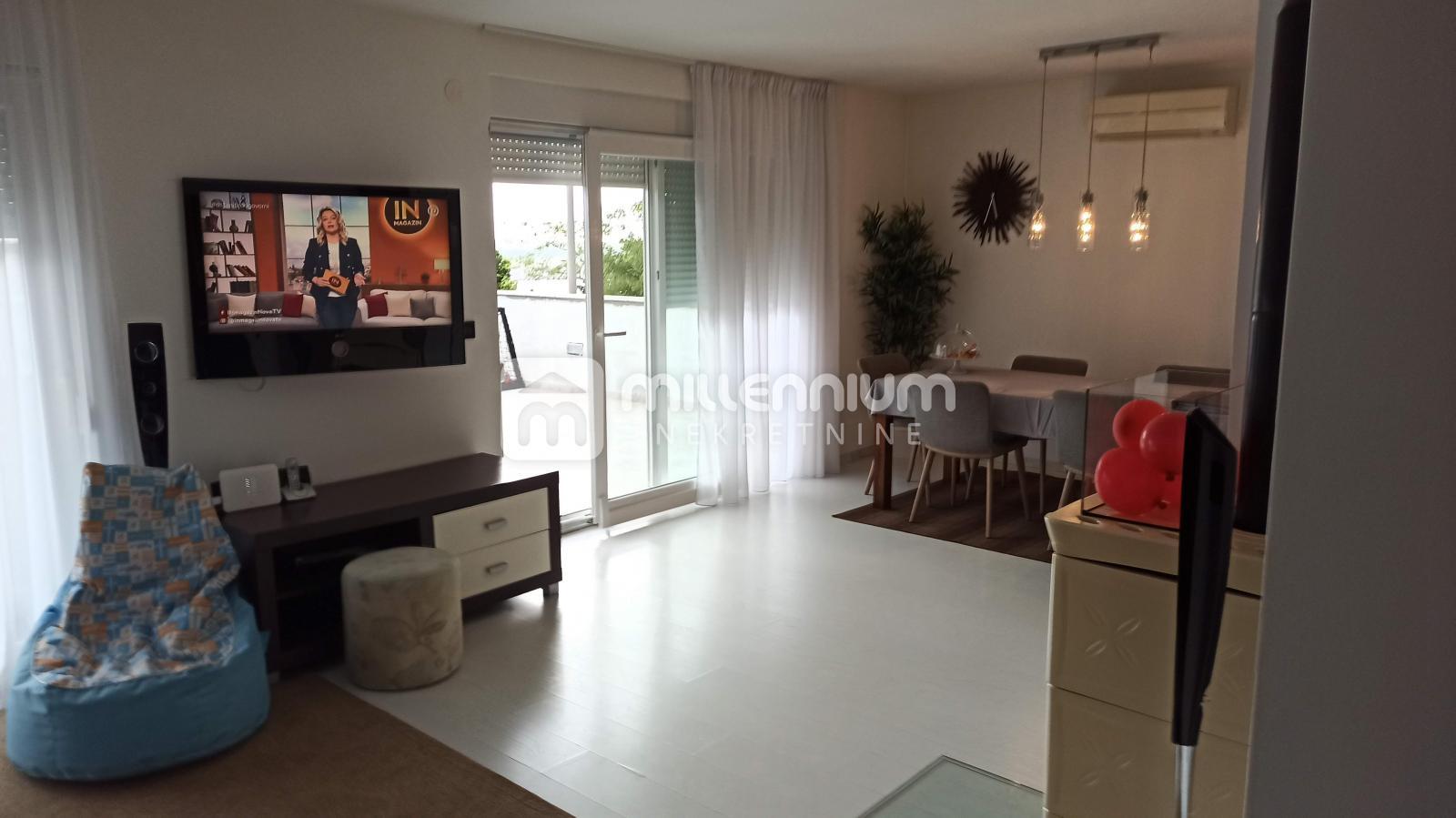 Jadranovo, samostojeća kuća od 250m2, mogućnost više apartmana