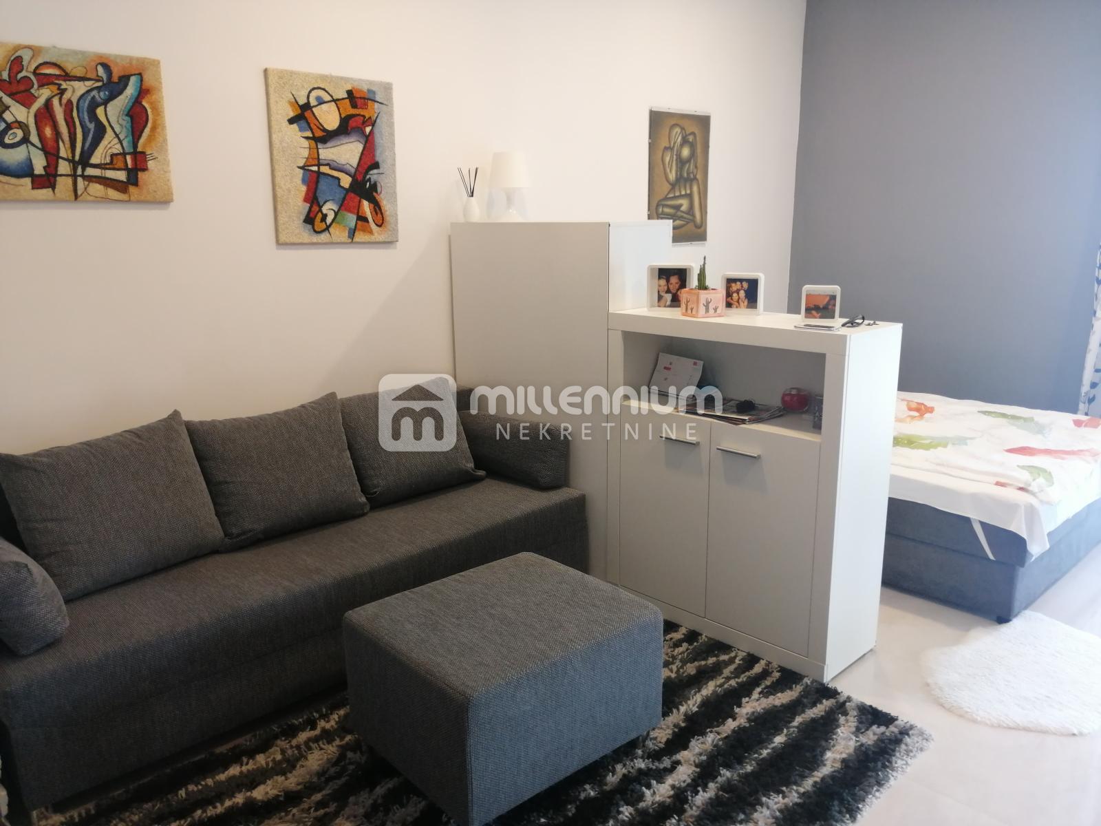 Rijeka, Turnić, moderan 1-sobni stan, terasa