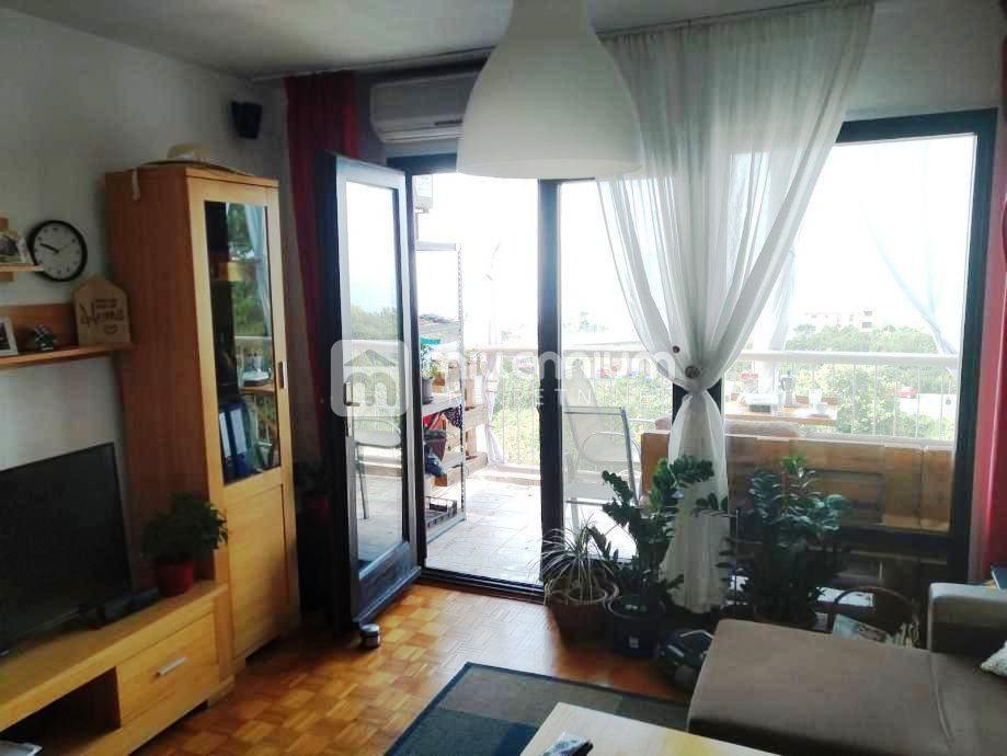 Rijeka, Hosti, 74m2, 2-sobni stan s db, lođa
