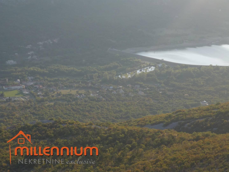 Tribalj, zaleđe Crikvenice, započeta gradnja samostojeće kuće od 240m2