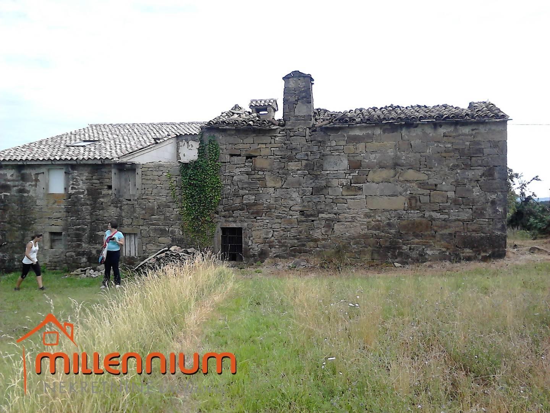 Centralna Istra, okolica Buzeta, selo Baredine, kamena starina, 25.000€/hrk