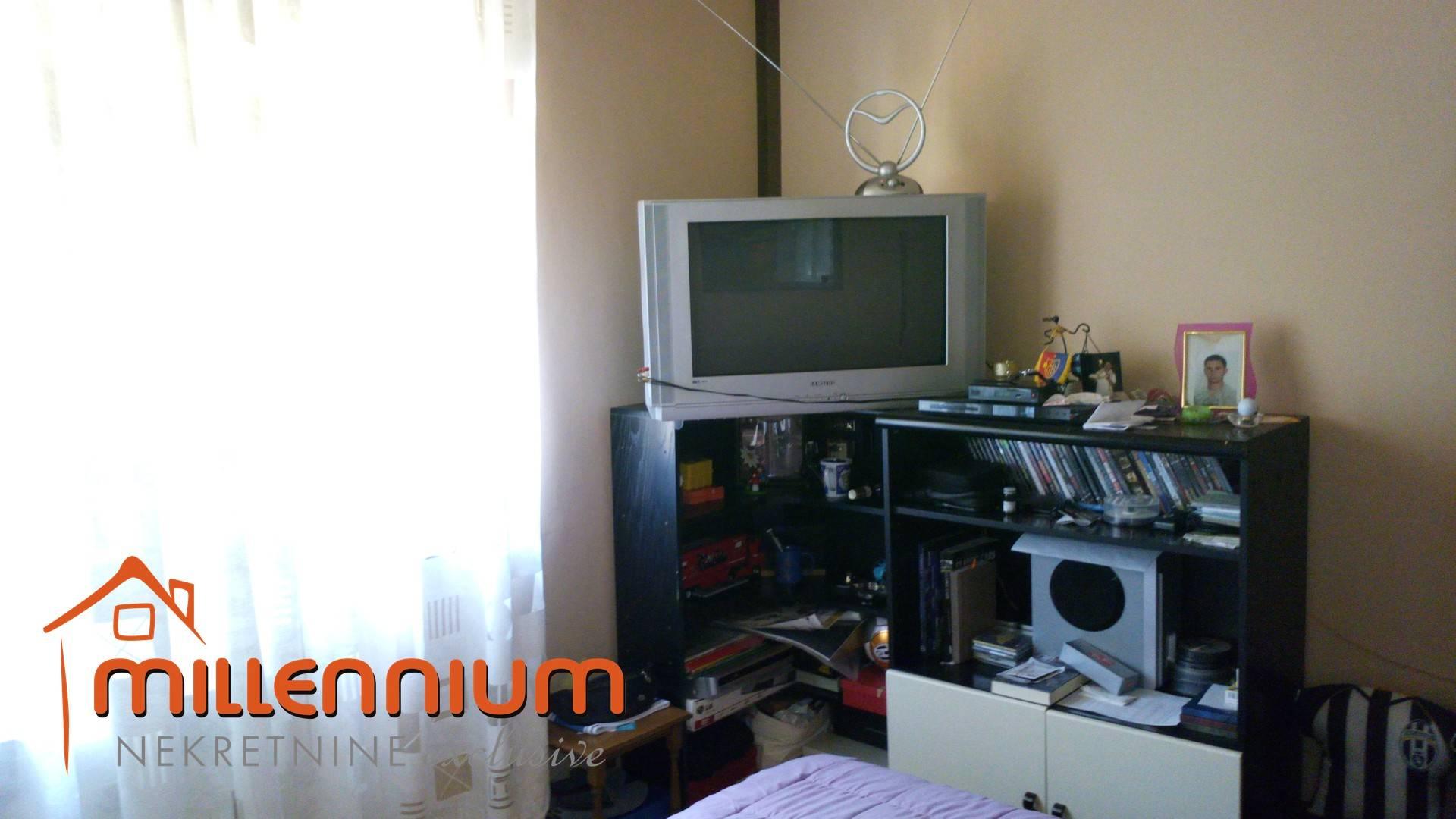 Matulji, Jušići, stan od 86m2, 2S+DB, konoba, garaža, okućnica
