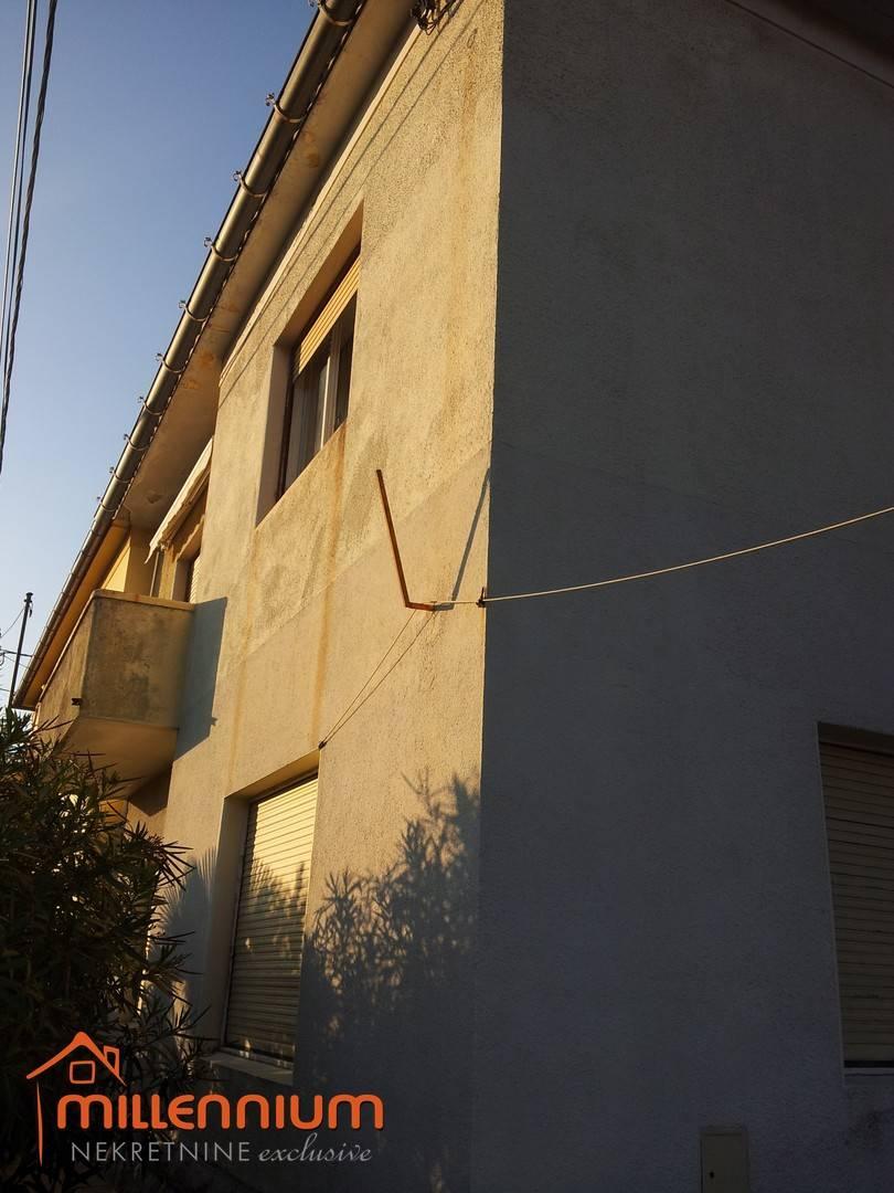Matulji, etaža od 86m2 s garažom i okućnicom od 1143m2