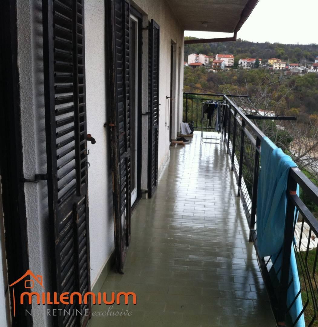 Viškovo, Marinići, etaža od 104m2, 3S+DB, garaža, okućnica