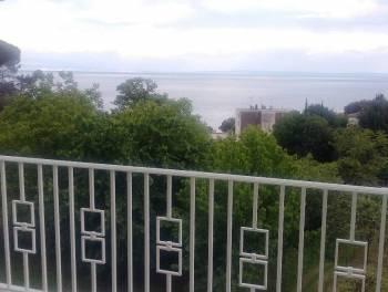 Ičići, 168m2, luksuzan dvoetažni stan  3s+db u blizini mora