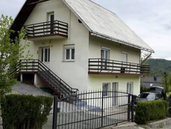 Gorski kotar, Fužine, samostojeća kuća s dva stana