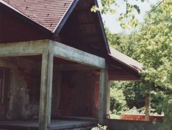 Klana, Gumance, 327m2, šumska kuća u adaptaciji