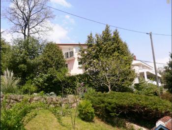 Opatija – Volosko, uređena samostojeća kuća s unutarnjim bazenom
