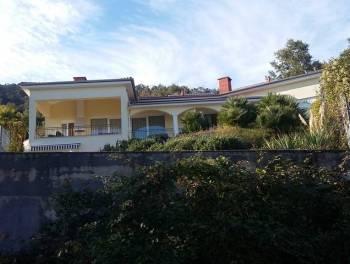 Ičići – Poljane, luksuzna vila s bazenom