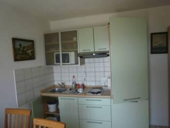 Novi Vinodolski, kuća samo 30 metara od mora