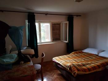 Opatija, samostojeća kuća s dva stana i lijepom okućnicom