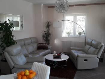 Viškovo, uređen i namješten 2-sobni stan s db