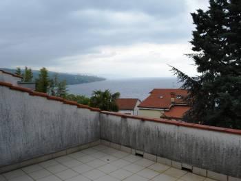 Opatija, 296m2, uređena samostojeća kuća 300m od mora