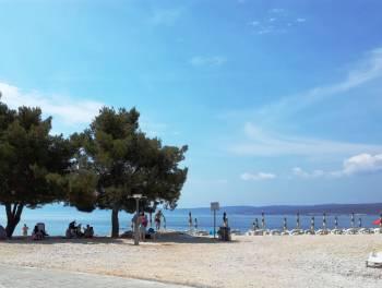 Crikvenica, samostojeća kuća na plaži+vez i barka
