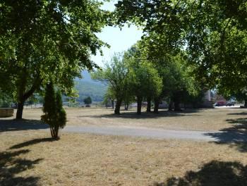 Lika, Sinac, kuća s 15.000m2 poljoprivrednog zemljišta