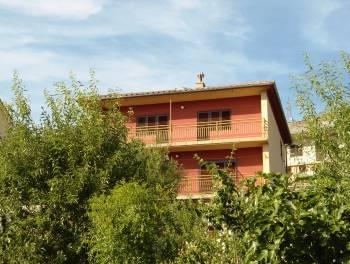 Senj, samostojeća kuća s okućnicom