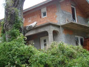 Senj, Sveti Juraj, samostojeća kuća za 35.000€/hrk, HITNA PRODAJA!!!