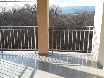 Viškovo, 85.33m2, stan s velikom terasom i garažom