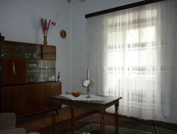 Bakarac, dvojna starina od 110m2 s okućnicom