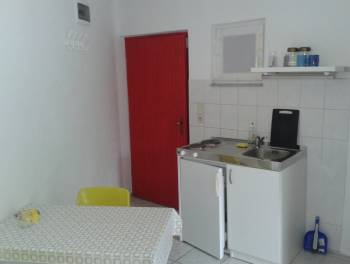 Otok Krk, Njivice, studio apartman s terasom