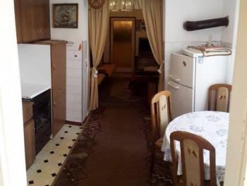 Kostrena, kuća od 150m2 s 2 stana