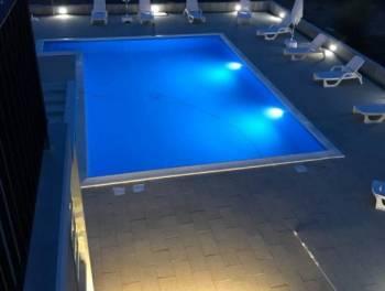 Istra, Buje, moderna vila s bazenom