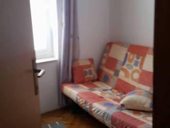 Otok Krk, Malinska, 3-sobni stan s db, lođa