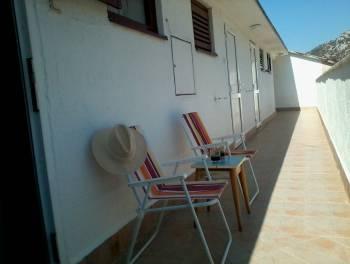Karlobag, 1-sobni stan s db u blizini mora