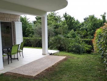 Grižane, novogradnja, kuća s uređenom okućnicom
