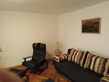 Kraljevica, kuća s dvoetažnim stanom, studio apartmanom i garažom