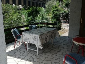 Crikvenica, Jadranovo, kuća 1. red do mora