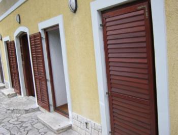 Rijeka, Mlaka, 3-sobni stan s db, velika terasa, okućnica