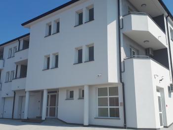 Rijeka, Zamet, novogradnja 4-sobni stan s db, 3 balkona
