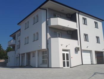 Rijeka, Zamet, novogradnja 3-sobni stan s db, 2 balkona