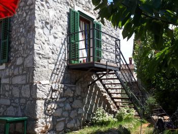 Krk, okolica Malinske, kamena kuća