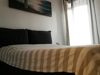 Rijeka, Donji Zamet, moderno uređen 2-sobni stan s db