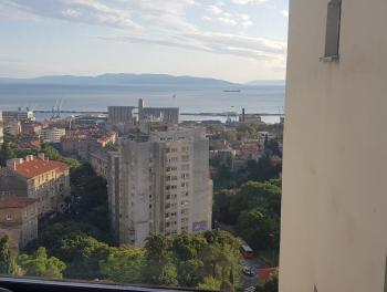 Rijeka, Rastočine, 74m2, 2-sobni stan s db, lođa