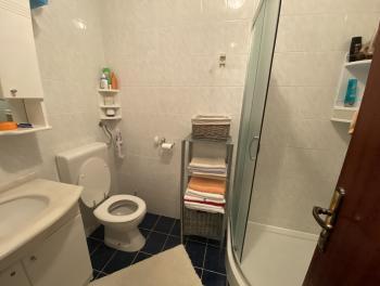 Novi Vinodolski, 2-sobni stan s db, lođa
