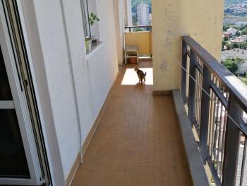Rijeka, Krimeja, 80.50 m2, 3-sobni stan s db, balkon s pogledom