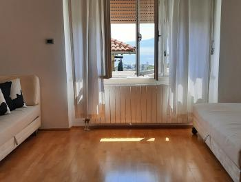 Najam, Rijeka, Bulevard, 72m2, 2-sobni stan s db