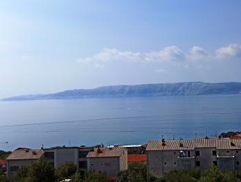 Novi Vinodolski, 31m2, garsonijera s lođom, pogled na more