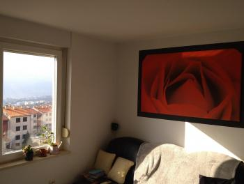 Rijeka, Donja Drenova, 2-sobni stan s db, balkon, pogled na more