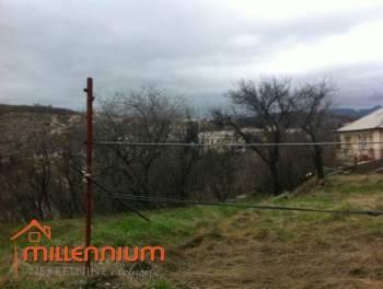 Rijeka prigrad, Čavle, kuća s velikom okućnicom