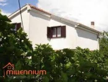 Otok Krk, Malinska, 180m2, samostojeća kuća