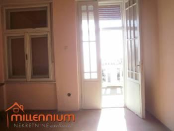Kuća, Matulji, 250m2, okućnice 800m2, 135.000€