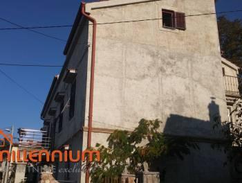Rijeka, Podmurvice, samostojeća kuća s tri stana