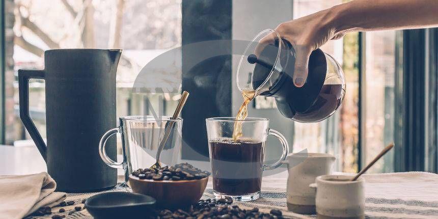 RIJEKA, TURNIĆ, ODLIČAN CAFFE BAR U RADU, 53 M2 + 25 M2 TERASE, 85.000 EUR/KN, PRILIKA!