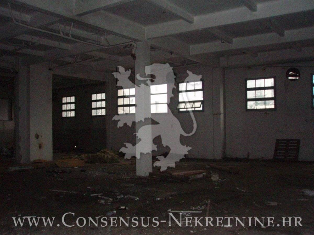 NAJAM, POSLOVNI PROSTOR 7500 m2, 10 EUR/ m2